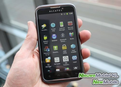Alcatel One Touch 995 - не дорогой смартфон на базе Android 4.0 (3 фото)