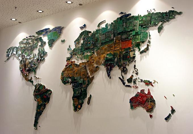 Карта мира из микросхем Susan