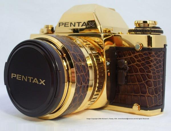 ...фотоаппарат из чистого золота к юбилею компании Pentax Знаменитая компания...
