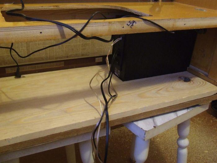 Схема клавиатуры спрятана под