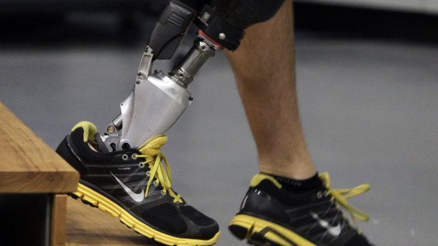 The World's First Bionic Foot Mimics Flexion to Aid Gait (video)