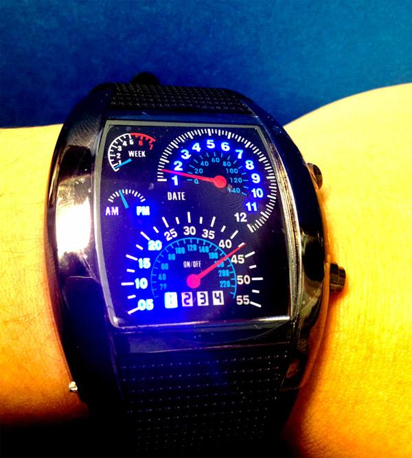 Наручные часы-спидометр (2 фото + видео) f2d918a5f4a