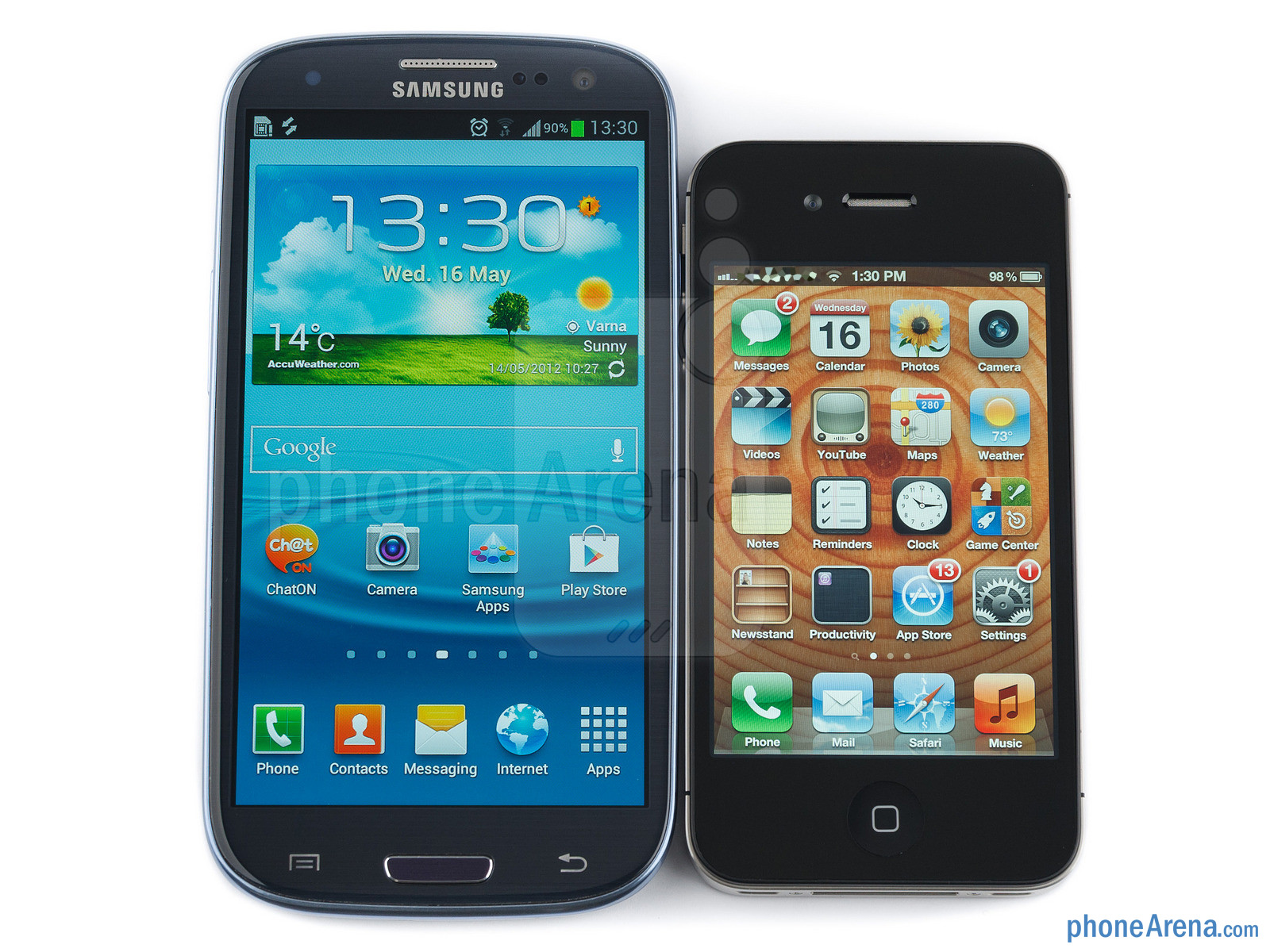 comparing iphone 4s and samsung galaxy Unlike comparing the samsung galaxy s4 with its android rivals, where body shapes and sizes are similar at this high-end level, the galaxy s4 and iphone 5 are completely different.