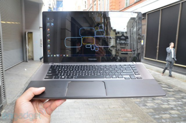 Toshiba Satellite U840W - ультрабук с дисплеем 21:9 (15 фото)