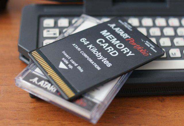 Atari Portfolio — ноутбук Джона Коннора (13 фото + видео)