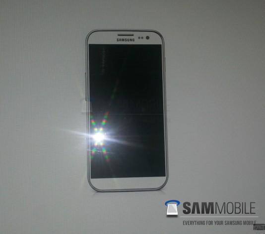 Предположительно первое фото Samsung Galaxy S IV