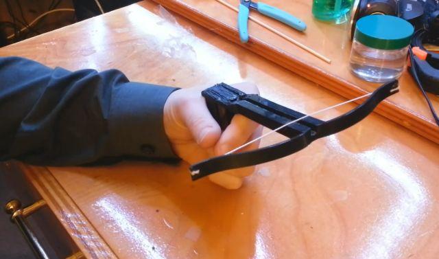 Мини арбалет своими руками видео фото