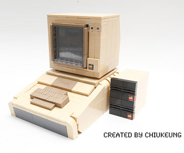 Apple II из Lego (3 фото)