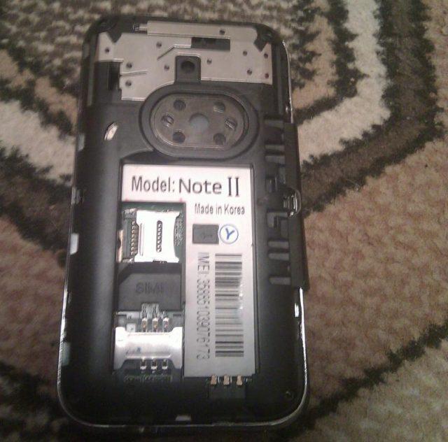 Что внутри китайского телефона? (8 фото)