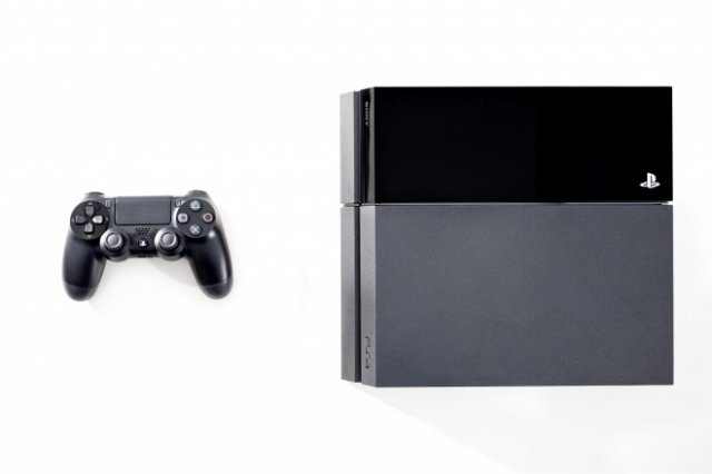 PlayStation 4 изнутри (15 фото + видео)