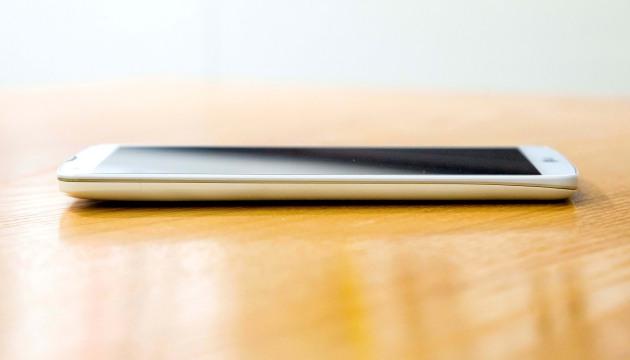 Первые фотографии неанонсированного LG G Pro 2