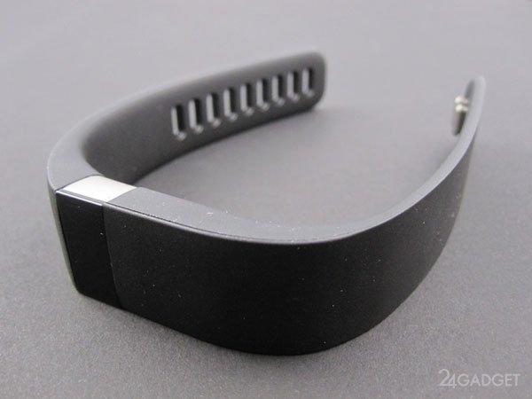 Обзор фитнес-браслета Fitbit Force