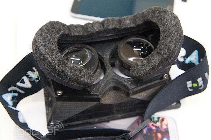 Шлем виртуальной реальности на базе смартфона (10 фото)