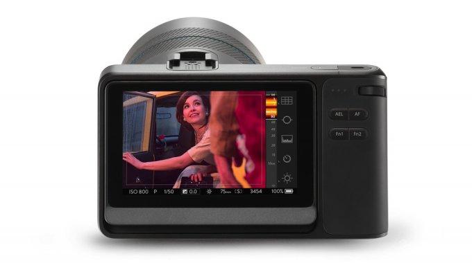 Предварительный обзор новой, более мощной камеры Lytro 1398244530_24gadget-drop-in_screen_72dpi__1_-2040_verge_super_wide