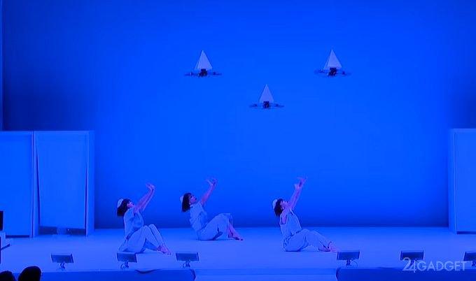 Фантастический танец квадрокоптеров (видео)