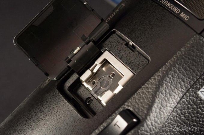 SONY FDR-AX100 - ретро внешность и современная начинка 1402462897_24gadget-sony-fdr-ax100-hotshoe-1500x1000