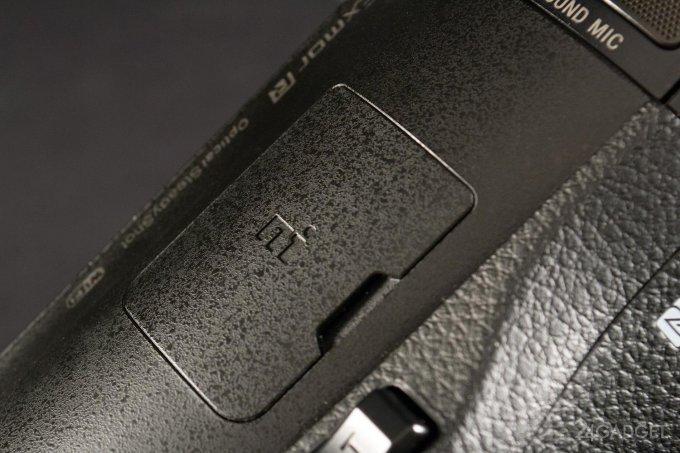 SONY FDR-AX100 - ретро внешность и современная начинка 1402462960_24gadget-sony-fdr-ax100-hotshoecover-1500x1000