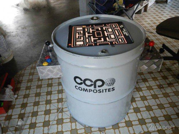 Игровой автомат из двухсотлитровой бочки (2 фото)