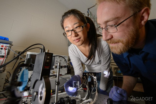 Учёные создали прозрачные солнечные батареи (2 фото)