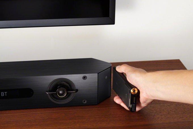 Walkman NW-ZX2 - портативный плеер с поддержкой Hi-Res Audio (8 фото)
