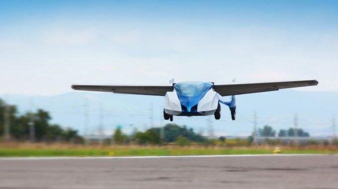 Продажи летающего автомобиля AeroMobil запланированы к 2017 году (6 фото + 1 видео)