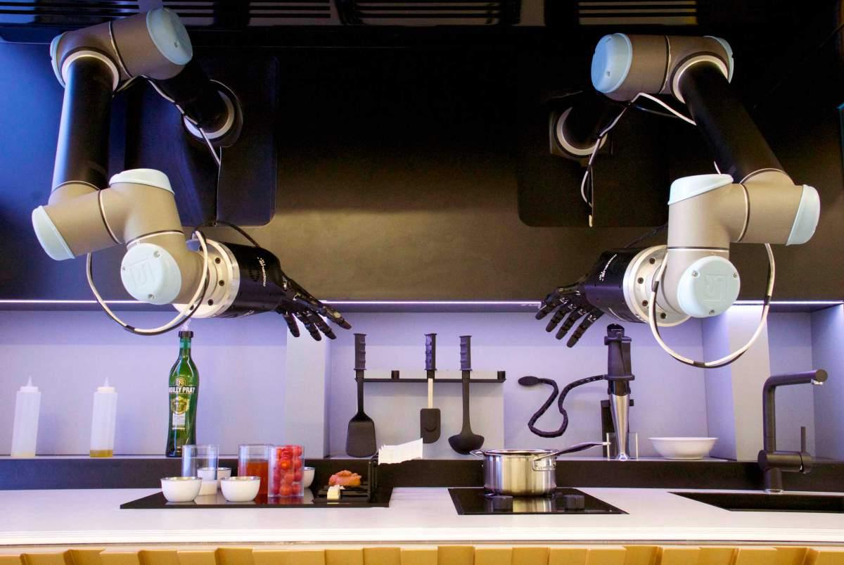 Картинки по запросу Moley Robotics робот повар