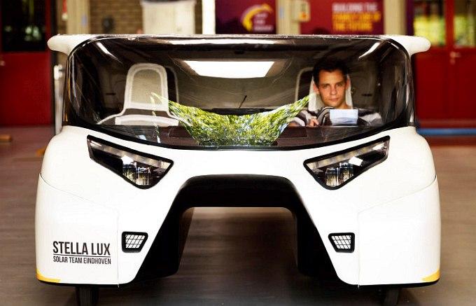 Автомобиль на солнечных батареях для семейных поездок (12 фото + видео)