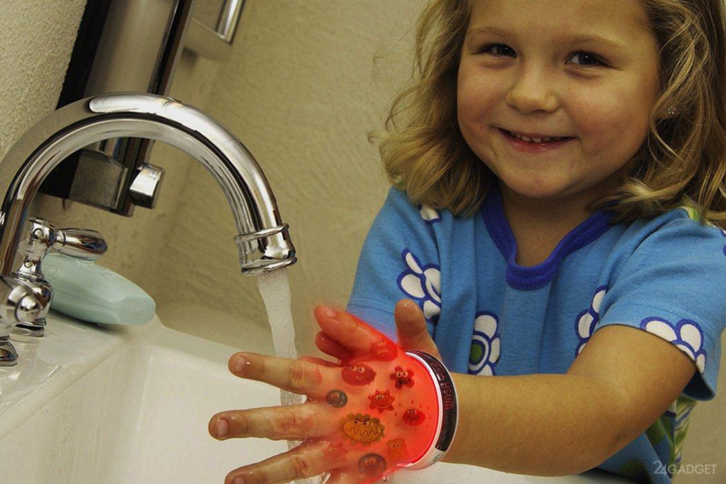 Картинка ребенок моет руки для детей