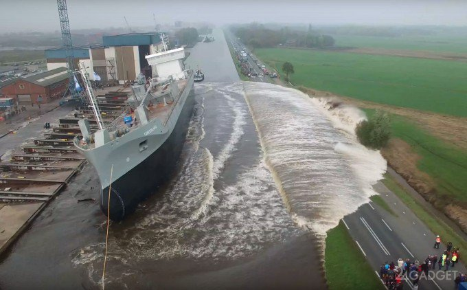 Спуск кораблей на воду. Как спускают корабли на воду. Как корабли спускают на воду