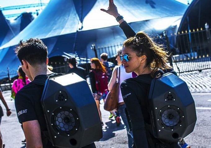 BeatBringer Speaker Backpack - мощная акустическая система в виде рюкзака (3 фото + видео)