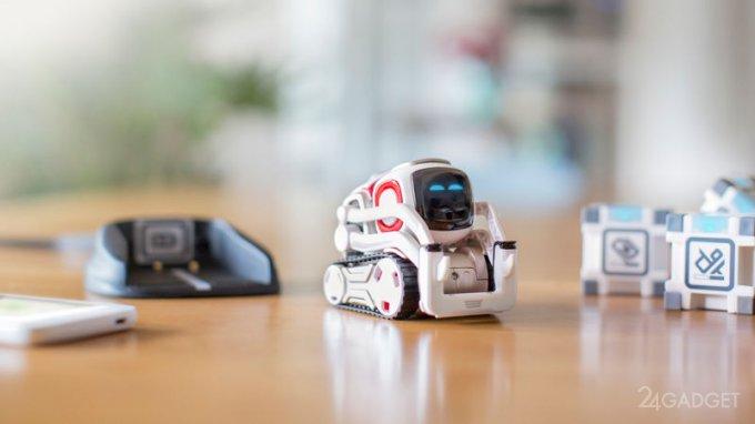 Игрушечного робота Cozmo сможет запрограммировать любой желающий (видео)