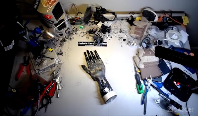 Энтузиаст собрал бионическую руку из кофемашины (видео)