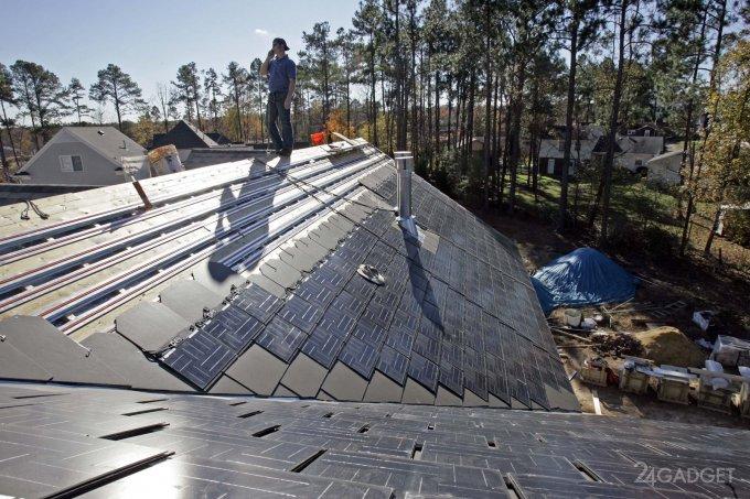 Элон Маск планирует выпускать солнечные крыши (2 фото)