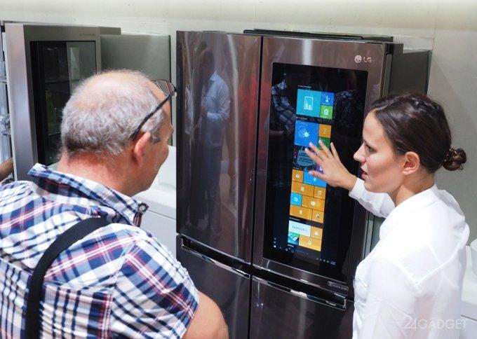 Смарт-холодильник с 29-дюймовым дисплеем (16 фото + видео)