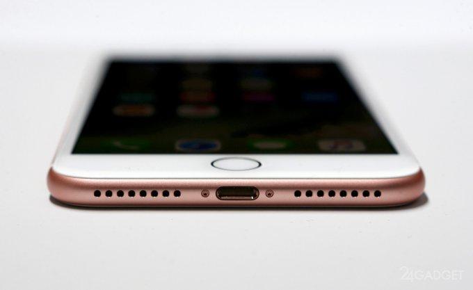 Адаптер Belkin позволит заряжать iPhone 7 с подключенными проводными наушниками (3 фото + видео)