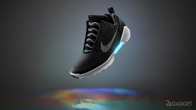 """Самозашнуровывающиеся кроссовки """"Назад в будущее"""" поступят в продажу в ноябре (5 фото)"""