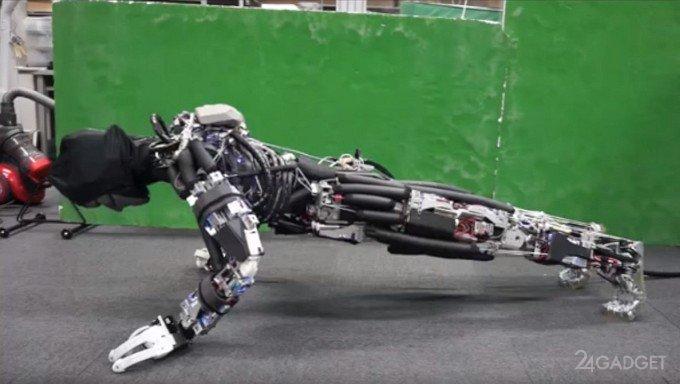 В Японии гуманоидного робота научили потеть (4 фото + видео)