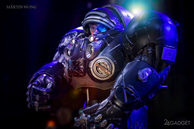 Невероятный костюм Дима Рейнора из StarCraft 2 (14 фото + 5 видео)