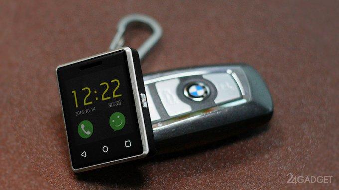 Выпущен самый маленький сенсорный телефон (7 фото)