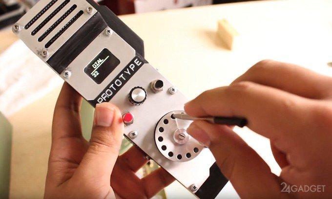 Энтузиаст собрал работающий дисковый мобильный телефон (видео)
