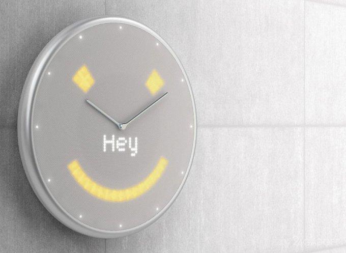 Настенные умные часы от российского разработчика (6 фото + видео)