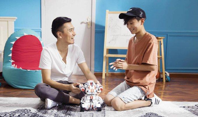 Доступный робот-конструктор от Xiaomi (8 фото + 2 видео)
