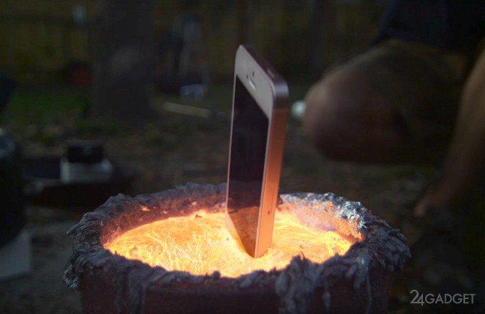 iPhone SE проверили на прочность расплавленным металлом (видео)