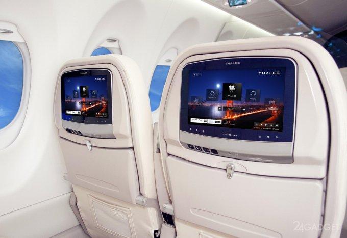 Хакеры могут захватить самолет через взлом развлекательной системы (3 фото)