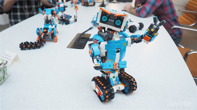 С Lego Boost можно создать любого робота (19 фото + 2 видео)