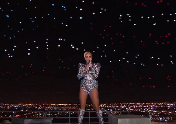 Леди Гага включила в своё шоу 300 дронов Intel (2 фото + 2 видео)