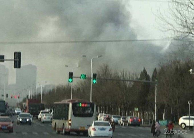 Загорелся завод, выпускавший аккумуляторы для Galaxy Note7 (6 фото)