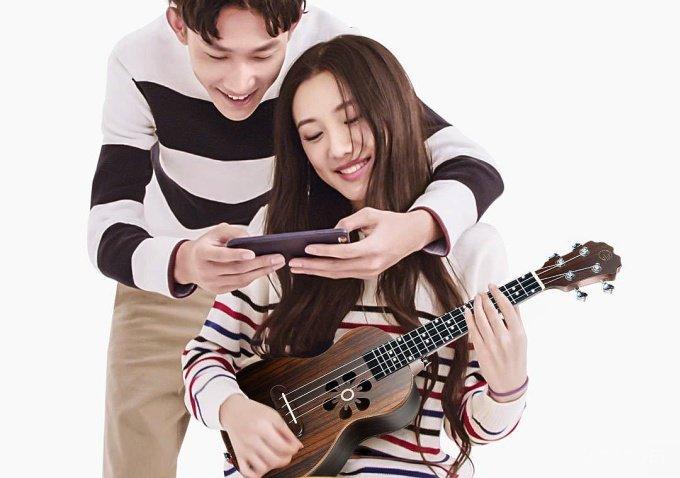 Xiaomi обучает игре на укулеле (15 фото)