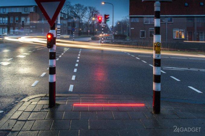 Нидерланды перенимают немецкий способ борьбы с гаджетозависимыми на дороге (3 фото)