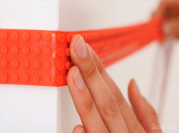 LEGO-лента позволит строить на стенах и потолке (8 фото + видео)